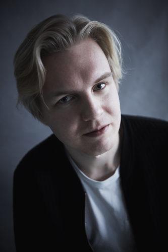 Antti Rönkä Jalat Ilmassa